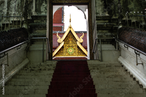 Fotografie, Obraz Within Wat Phra That Cho Hae is a Chiang Saen-style pagoda that enshrines holy relics of Lord Buddha