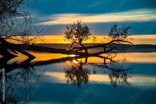 Zachód słońca, jezioro Jeziorowskie, Mazury