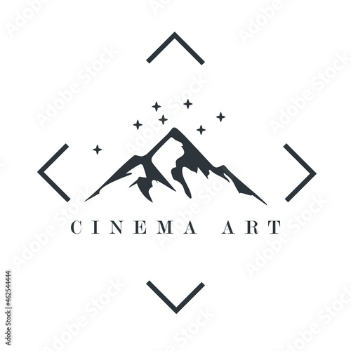 silhouette with expedition mountain theme in cinema Fototapet
