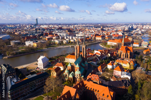 Fotografiet Scenic view from drone of Gothic buildings of Cathedral of St