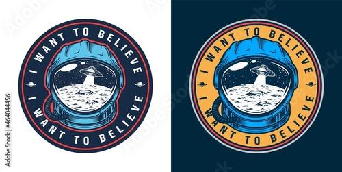 Foto Vintage alien invasion colorful round logo
