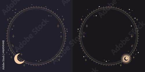 Fotografiet Złote ramki z księżycem, słońcem i gwiazdami na nocnym niebie