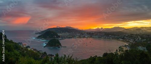 Foto Panorama of San Sebastian in the Basque Country, Spain